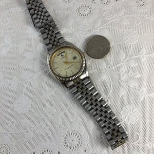 Jemis Accessories - Vintage Jemis 2 Tone Gold Silver Watch Day Date